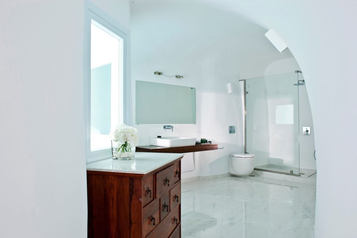 Best boutique hotel in santorini canaves oia santorini for Boutique hotel oia