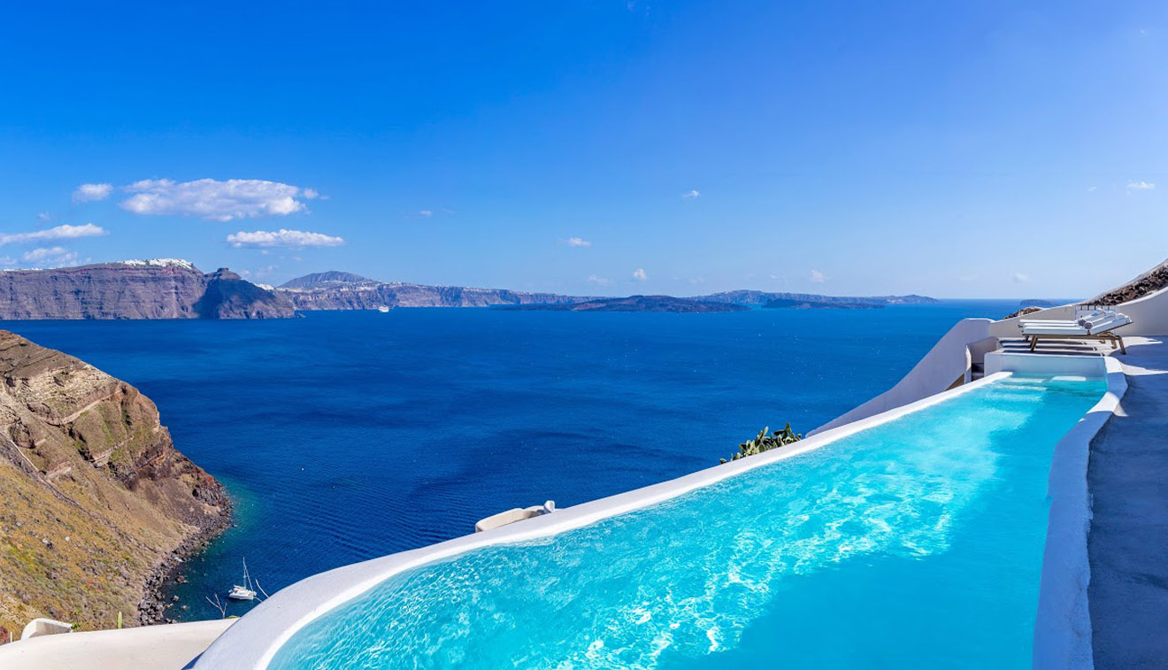 Santorini Best Pool Hotel