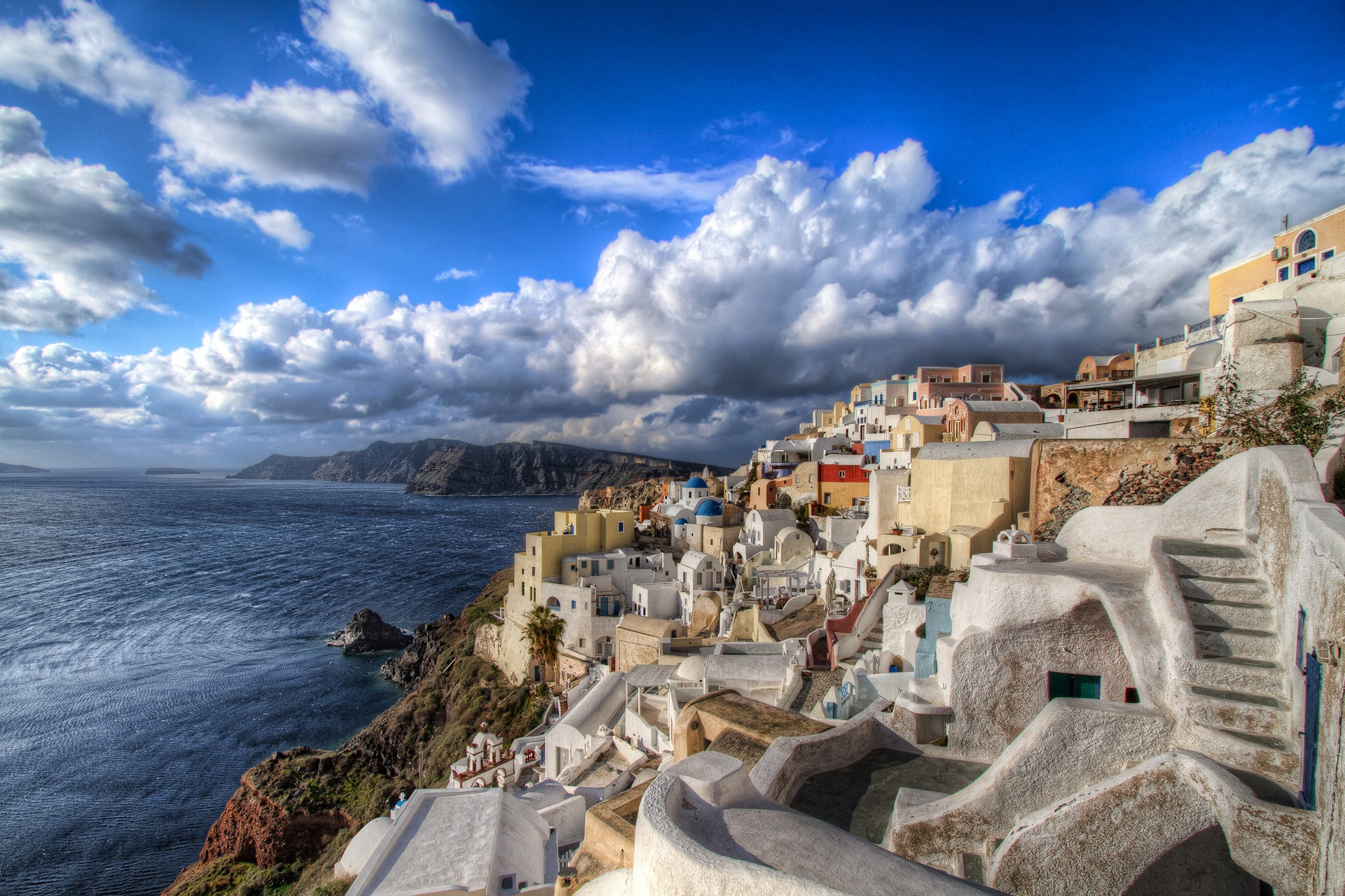 4 Things To Do In Santorini When Summer Fades Away