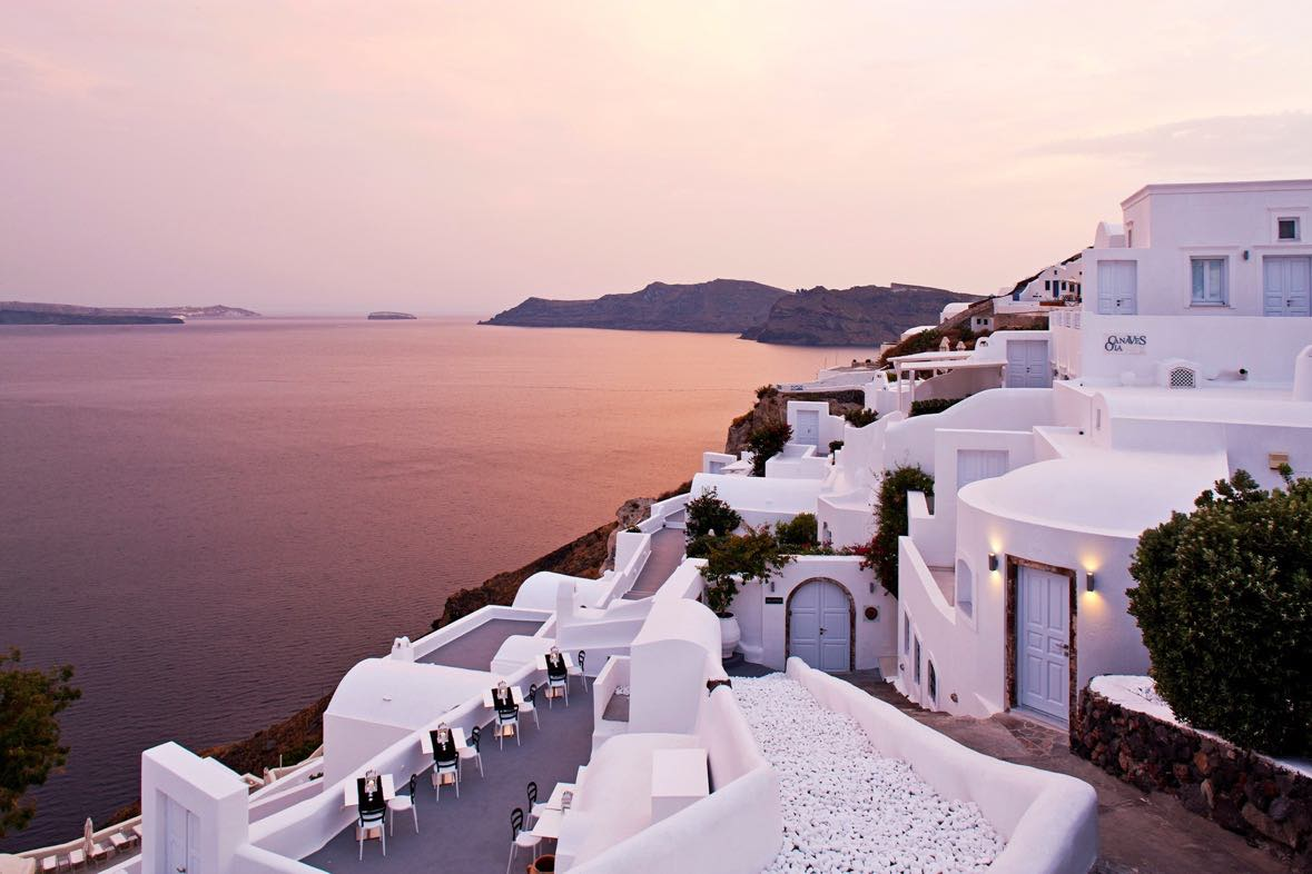 One Of The Best Luxury Hotels In Santorini 2016