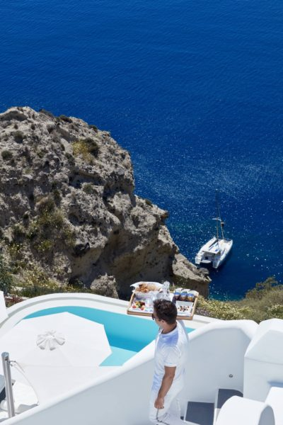 Canaves Oia Sunday Suites – Pool & Bar (14)