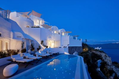 Canaves Oia Sunday Suites – Pool & Bar (9)