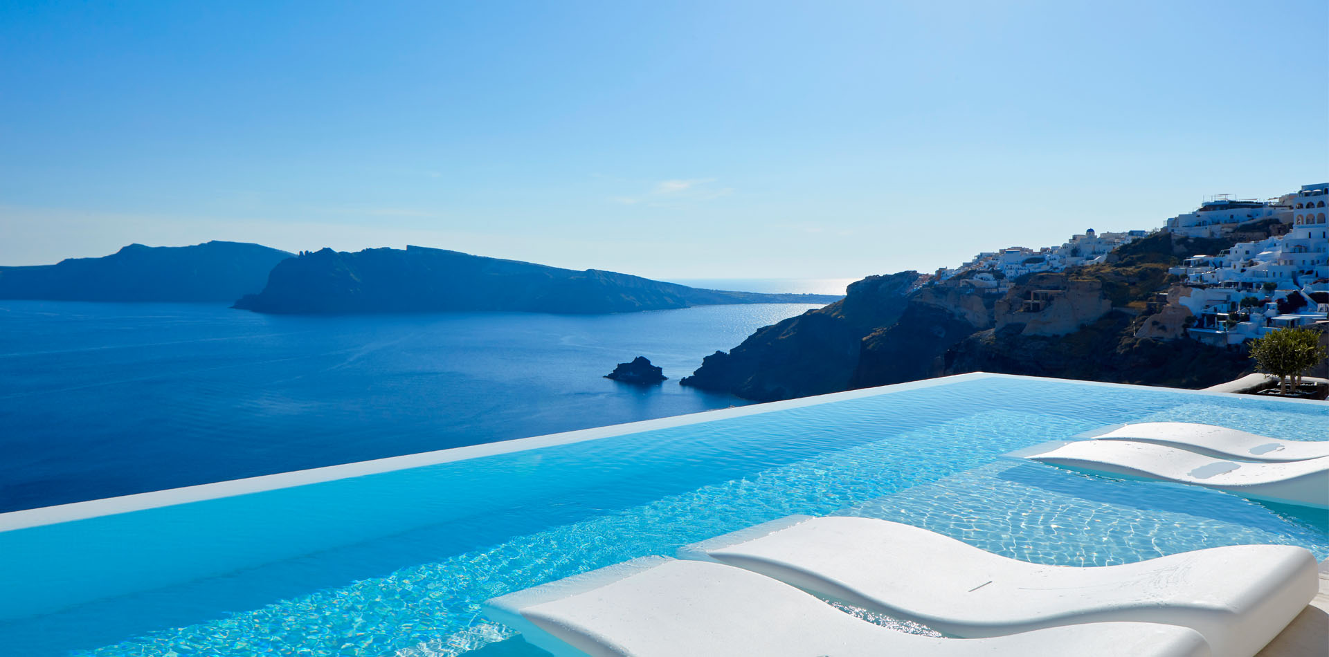 luxury hotel santorini